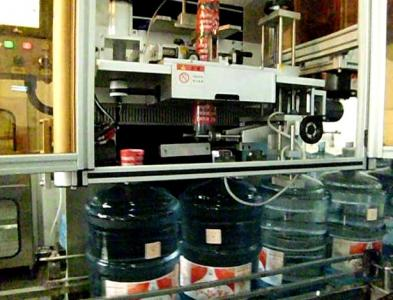 眼药水套标机 全自动套标机 蒸汽收缩炉